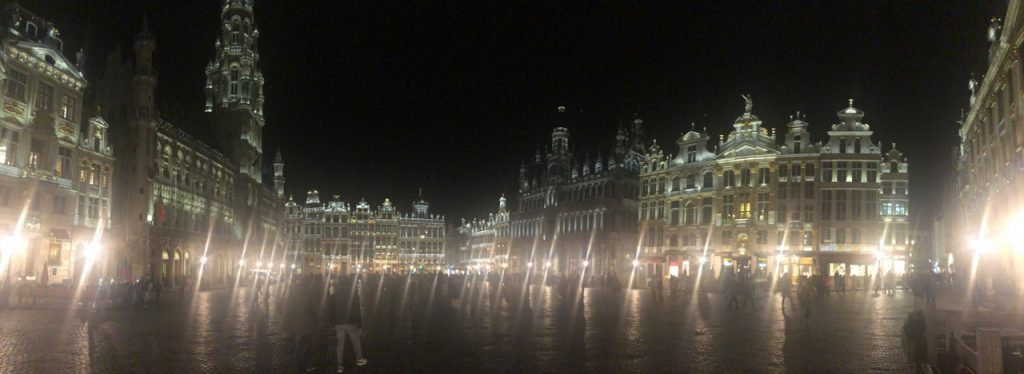 Things to see and do in Brussels: Grand Place Brussels at night