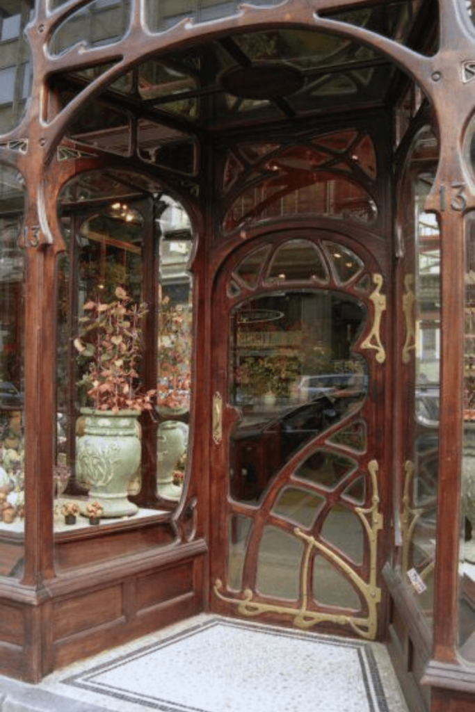 Gorgeous exterior by Paul Hankar of the Maison A. Niguet at Rue Royale 13, Brussels