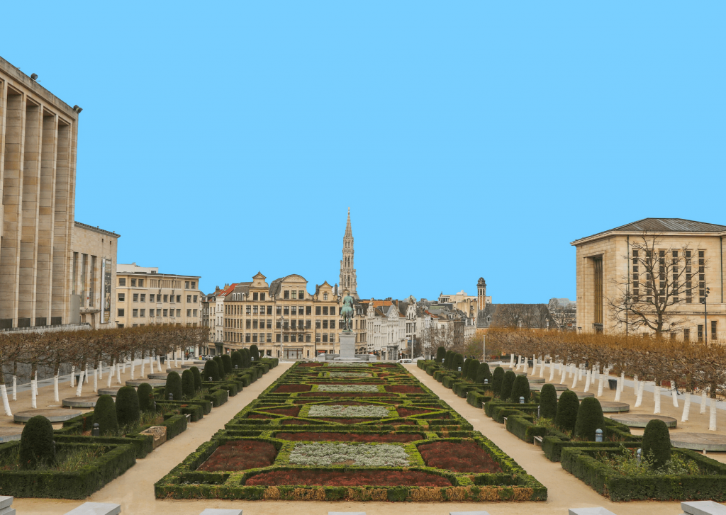 What to see an do in Brussels with kids: take in the view at Mont des Arts; image by Sergi Design on unsplash