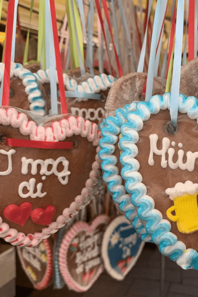 Munich 'Herzer', decorated Lebkuchen (gingerbread) in heart form; Should you take your child to the Oktoberfest?: Munich with a small child