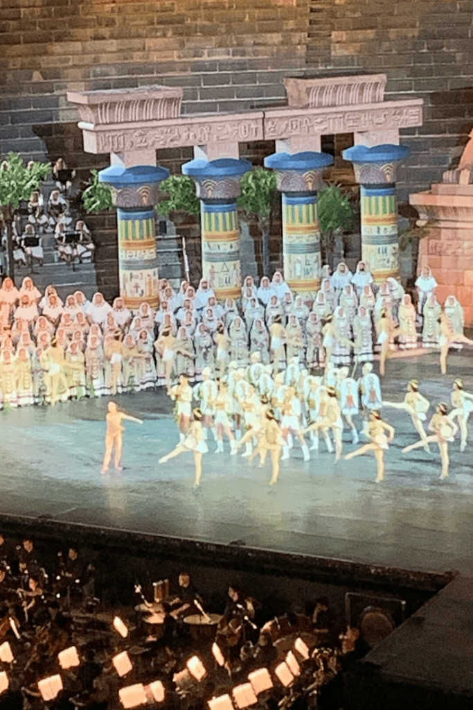 Should you take your kids to the opera in Verona? Scene from the Triumphant March in Aida; What to do in Verona with kids