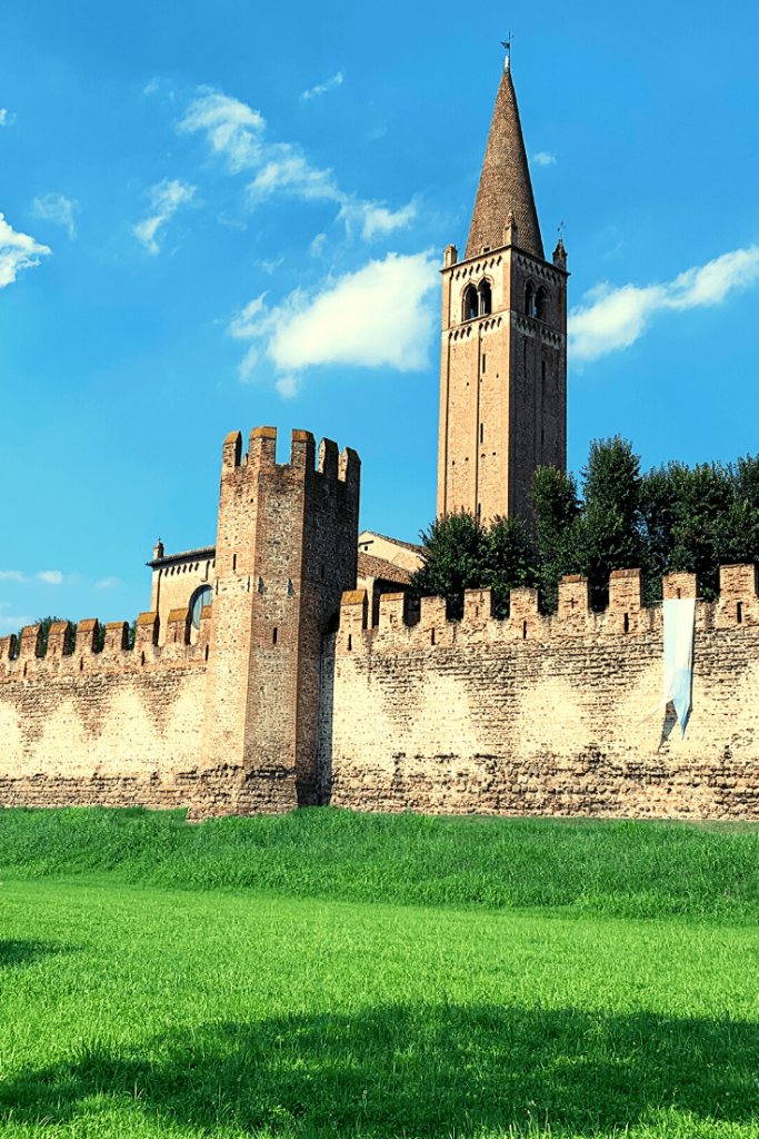 The walled town of Montagnana, with its ramparts and turrets; A member of the I Borghi più belli d'Italia (the most beautiful towns in Italy); one of the best small Italian towns to visit in the north of Italy; picture of the ramparts and tower