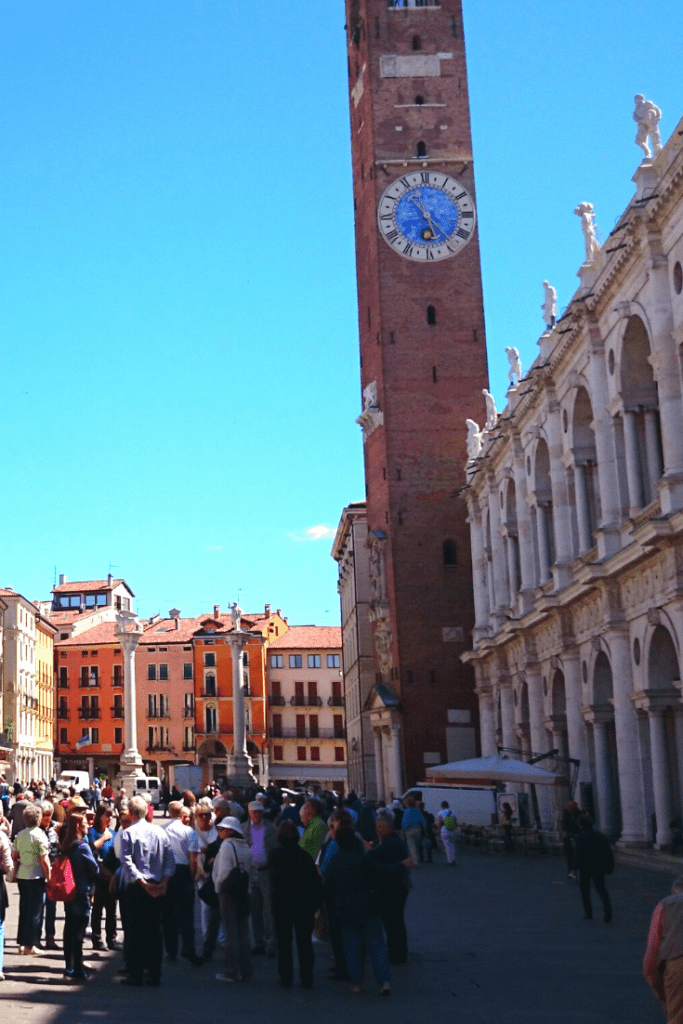 Centre of Vicenza old town with the Bissara Tower; an insider tip of the best small Italian towns to visit in the north of Italy; photo by Johanschersten on pixabay