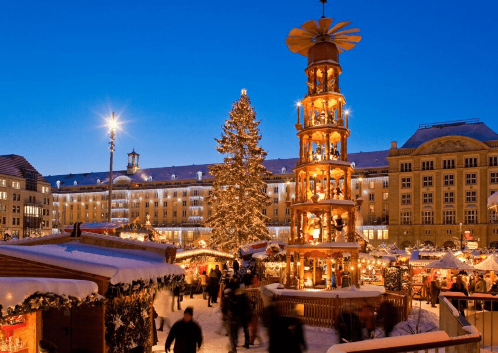 The Striezelmarkt in Dresden, one of the oldest and best German Christmas markets. Photo LHD/Sylvio Dittrich via striezelmarkt.dresden.de