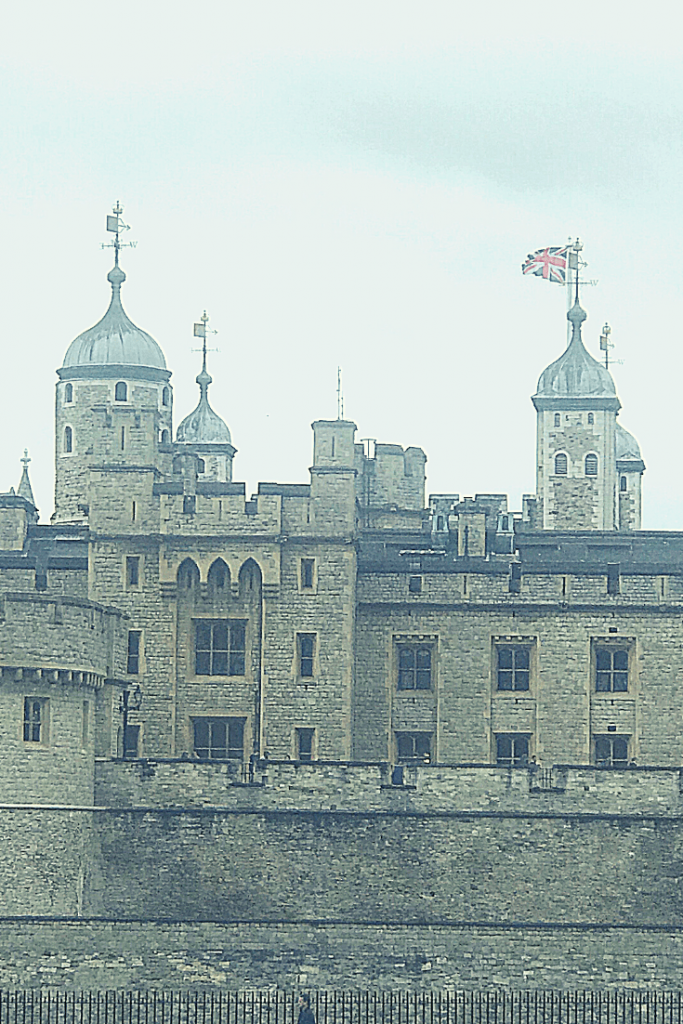 Day 1 of our three days in London with a small child: Start with a visit to the Tower of London.