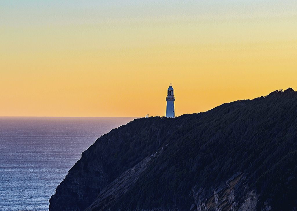 When visiting the Great Ocean Road with kids, visit a lighthouse. Here: Cape Otway Lighthouse. Look out for koalas!