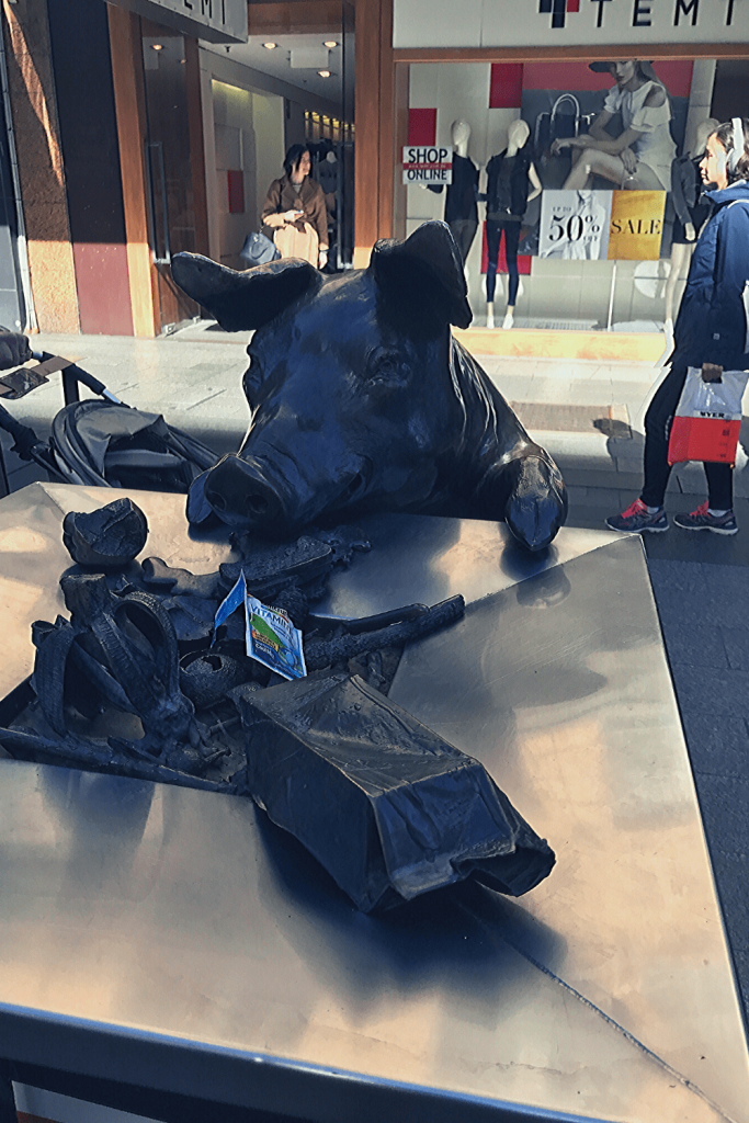 Adelaide with kids: Oliver the pig in Rundle Mall