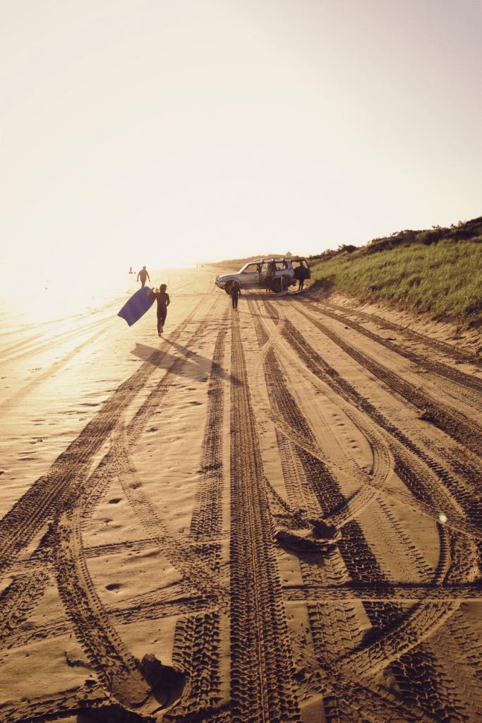 Driving onto the beach, Sellick's Beach, Fleurieu Peninsula. Image: Jon Tyson on unsplash
