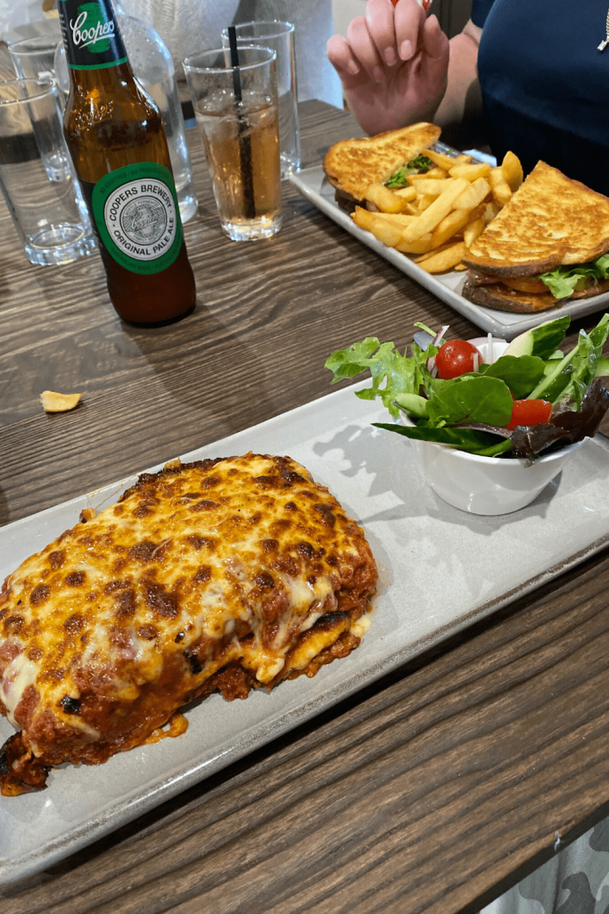 Dinner at Café Bella - lasagna and a club sandwich - Kingscote