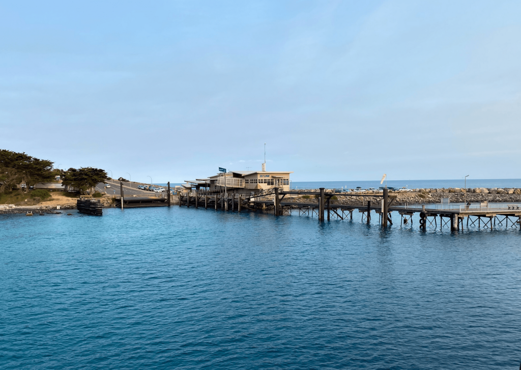 Old jetty and view of the shore at Penneshaw, Kangaroo Island