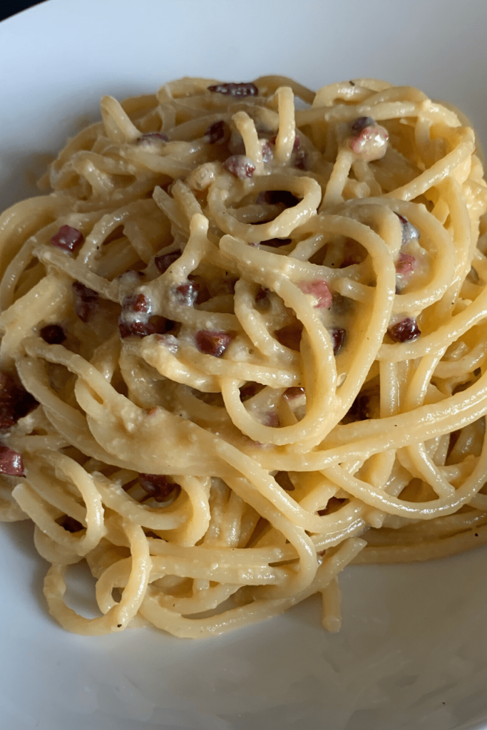 Delicious and fresh bowl of traditional Italian spaghetti carbonara