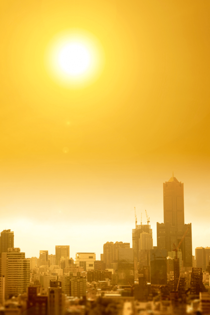 Dangerous Australians: the extreme heat in summer in the city