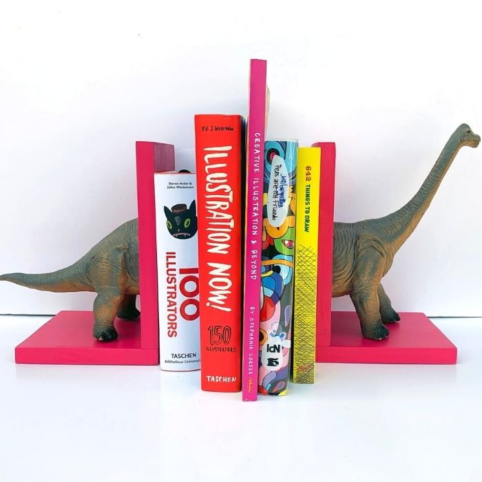 50+ cool dinosaur gifts for girls who love dinosaurs: fun dinosaur book ends to keep all those dinosaur books in order