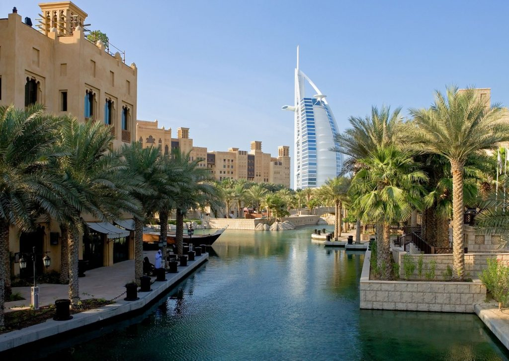 13 fun thing to do in Dubai with kids: grab some great pictures for their social media, like at the Jumeirah Mudinat
