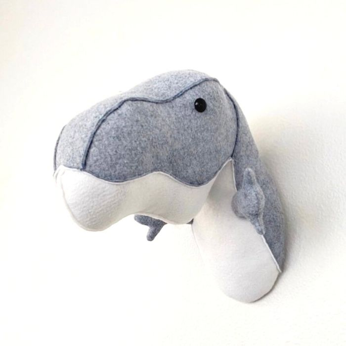 50+ cool dinosaur gifts for girls: faux dinosaur taxidermy: here the felt version