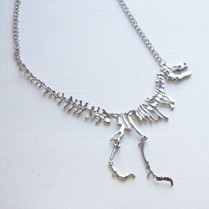 50+ dinosaur gifts for girls who love dinosaurs: I love this dinosaur fossil necklace
