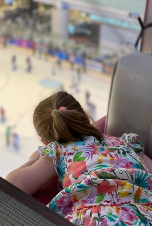 10 free things to do in Dubai with kids: watch the ice skating at Dubai Mall