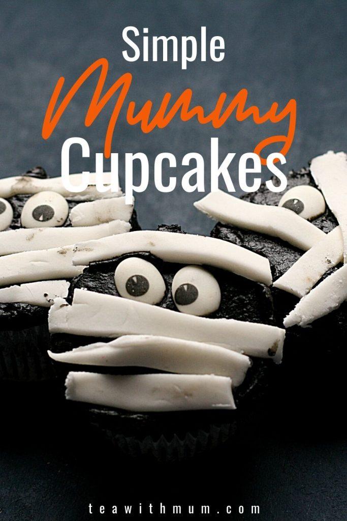 Fun Halloween Mummy cupcakes _ pin