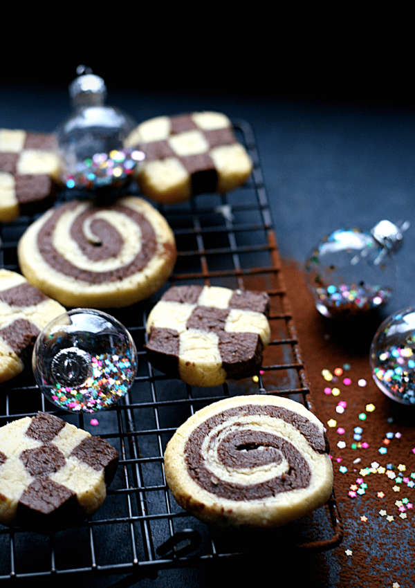 How to make German black and white Christmas cookies