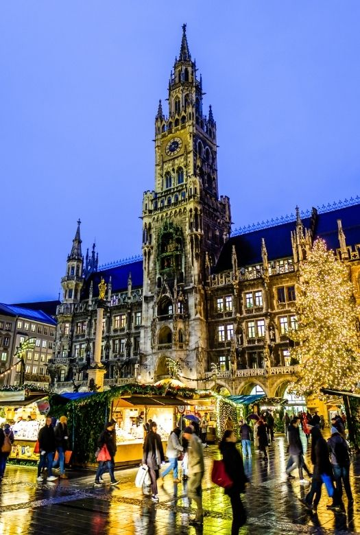 Ultimate 2020 gift guide for travel lovers when they can't travel - and all Christmas markets have been cancelled (such as the Christmas market at the Marienplatz in Munich)