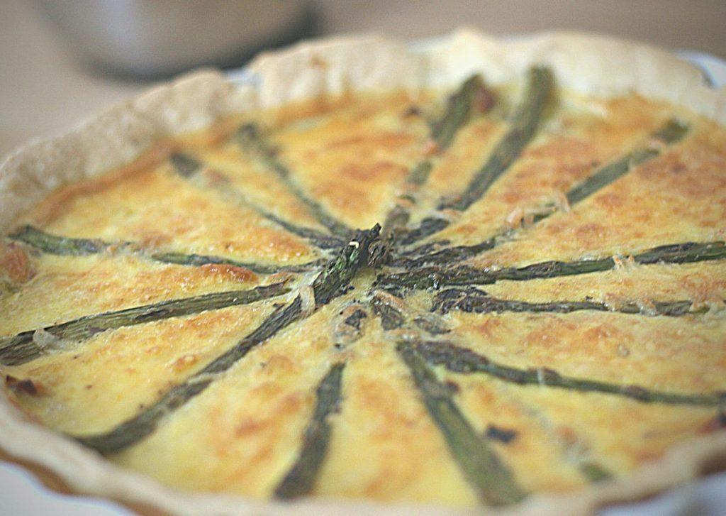 Close up image of quiche aux asperges